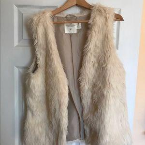 Faux fur vest H&M size large